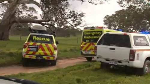 Emergency services at Tungkillo.  (9NEWS)
