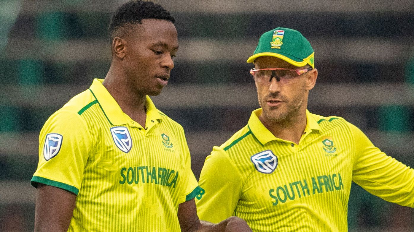 South Africa's Faf du Plessis, right, has a word with bowler Kagiso Rabada