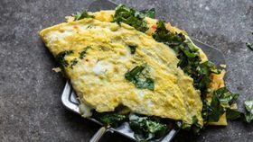 Kale and chilli omelette