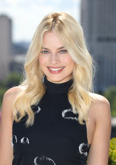 <p>Margot Robbie may be a&nbsp;Neighbours&nbsp;graduate, but her approach to beauty is more Rue Saint Honor&eacute; than Ramsay Street. Like the French, Robbie understands the power of relaxed hair on the red carpet and often uses a slightly dishevelled style to dress down her more high-octane fashion choices. This makes  her go-to 'dos ideal for when you can't make it to the salon or need to get some extra mileage out of a blow dry. Click through to see some of her best hair moments &ndash; and what to do with the looks on day (or week) three.</p> <p>Freshly dyed hair</p>