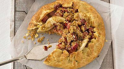 "Recipe:&nbsp;<a href=""http://kitchen.nine.com.au/2016/05/05/09/55/freeform-apple-rhubarb-and-crumble-tart"" target=""_top"">Free-form apple, rhubarb and crumble tart</a>"