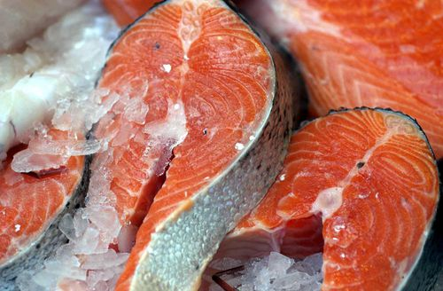 Eating fatty fish, such as salmon, was found to help ease asthma symptoms in children.