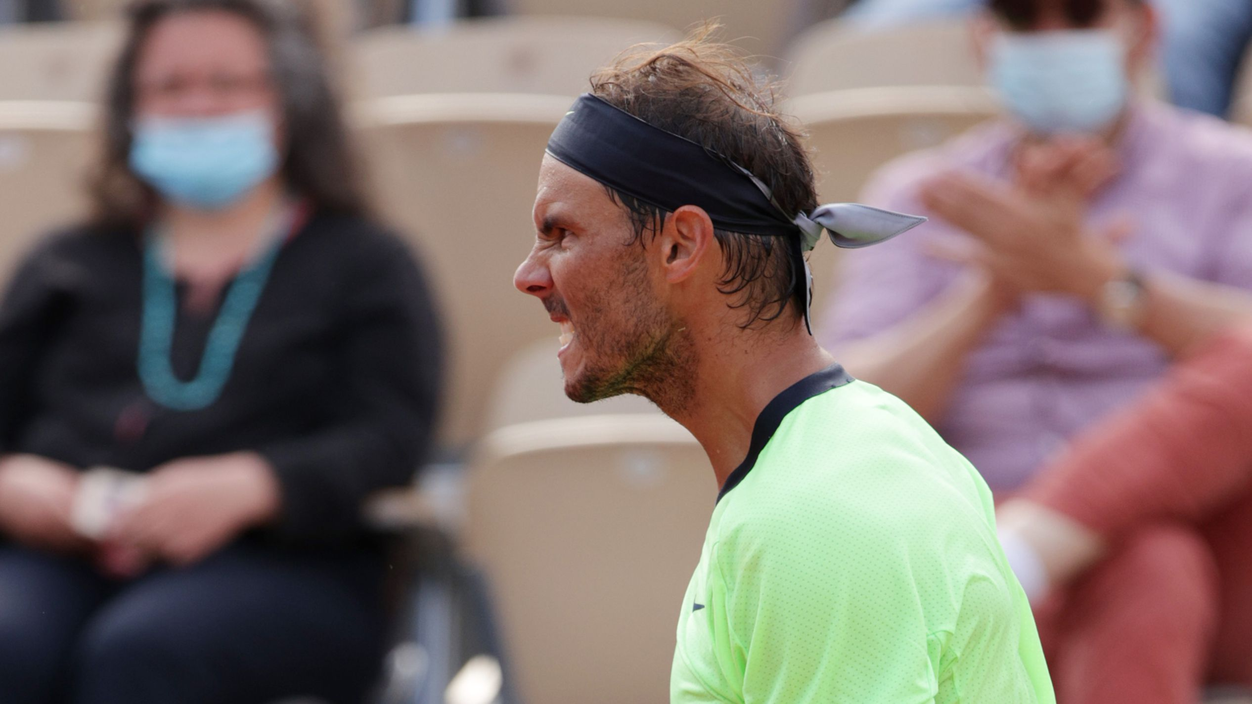 Rafa Nadal into fourth round of Roland Garros yet again