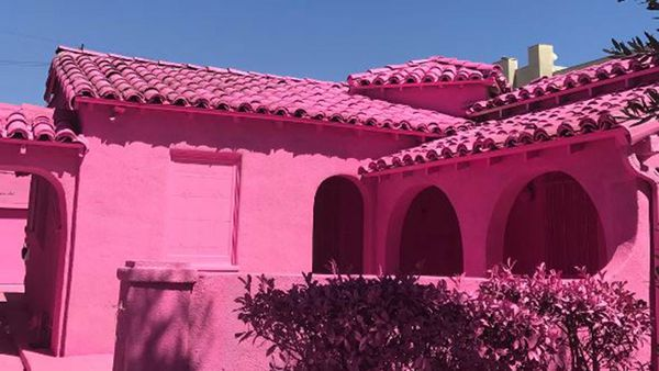 Hot Pink House Causing Rift With Neighbours
