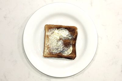 Butter on toast: 116 calories