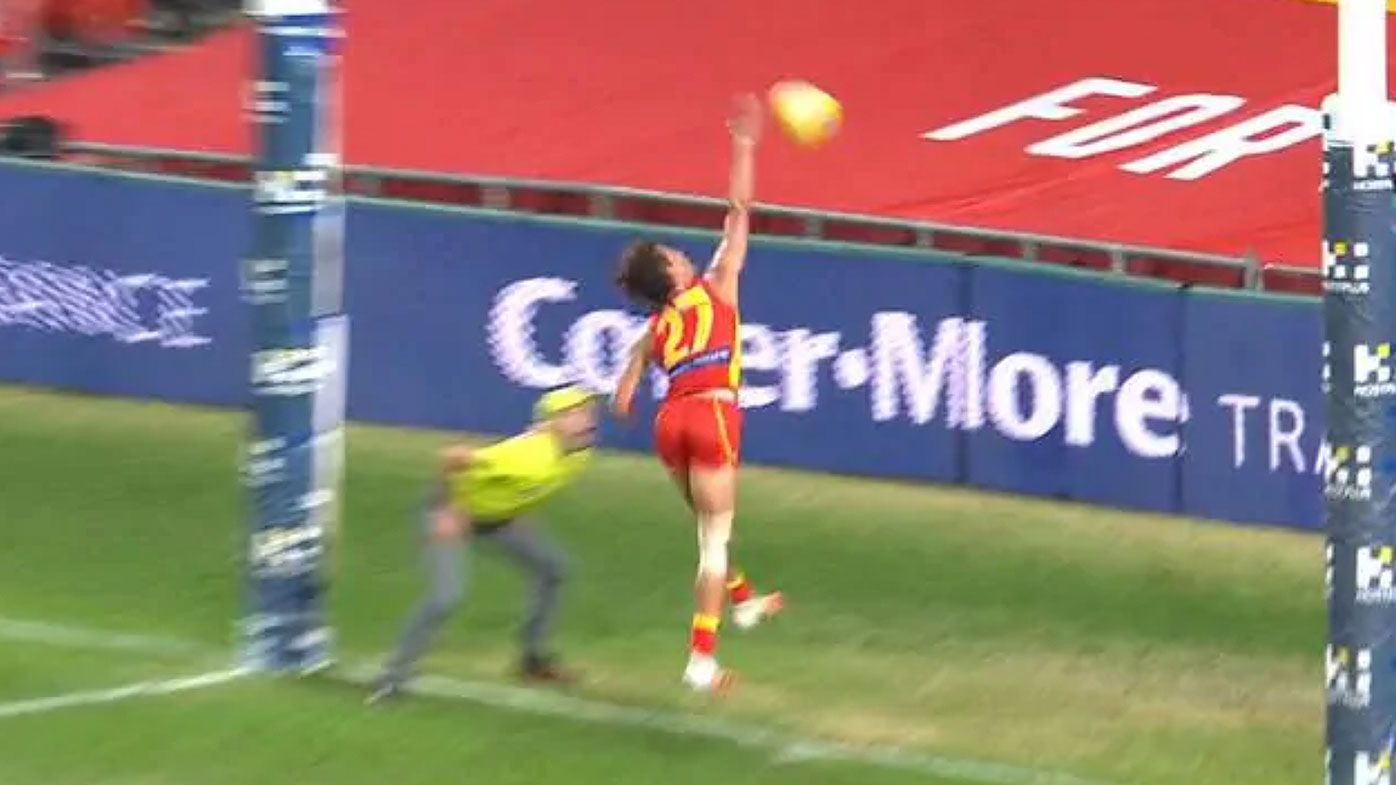 Gold Coast Suns young gun Wil Powell praised for 'Adam Gilchrist' moment