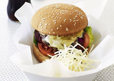 "Recipe:&nbsp;<a href=""http://kitchen.nine.com.au/2016/05/19/19/35/classic-beef-burgers-with-shoestring-fries"" target=""_top"">Classic beef burgers with shoestring fries</a>"