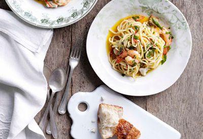 Spaghetti with freshwater fish