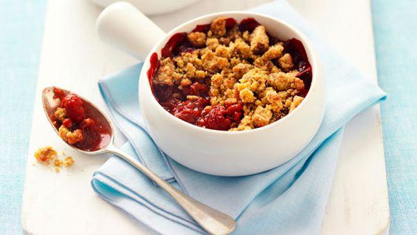 Rhubarb and raspberry nut crumbles