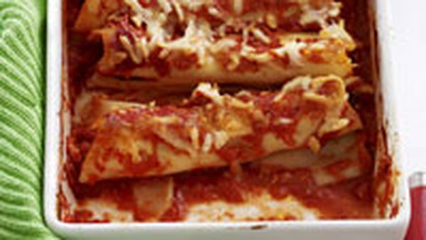 Baked chicken cannelloni