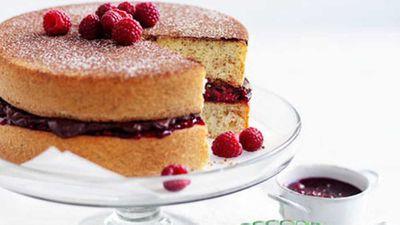 "Recipe:&nbsp;<a href=""http://kitchen.nine.com.au/2016/05/17/10/06/basic-sponge-cake"" target=""_top"">Basic sponge cake</a>"
