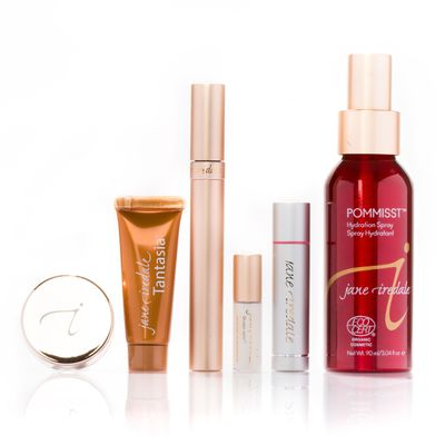"<a href=""https://janeiredale.com/au/en/holiday-makeup-collection.htm"" target=""_blank"">jane iredale Holiday Beauty, $159.</a>"