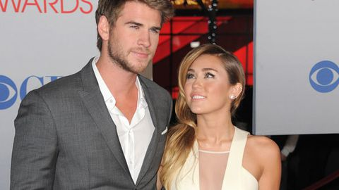 Mum at 19? Miley Cyrus wants a baby with fiancé Liam Hemsworth
