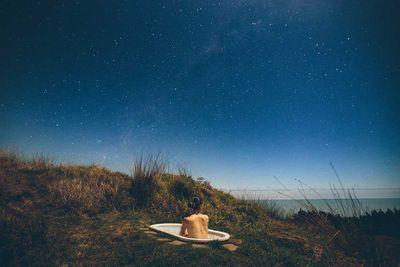 """<strong><a href=""""http://www.castaways.co.nz/"""" target=""""_top"""">Castaways Glam Camping, Kariotahi Beach</a></strong>"""
