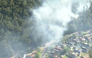 Bushfire in Sydney's north-west now under control, NSW RFS says