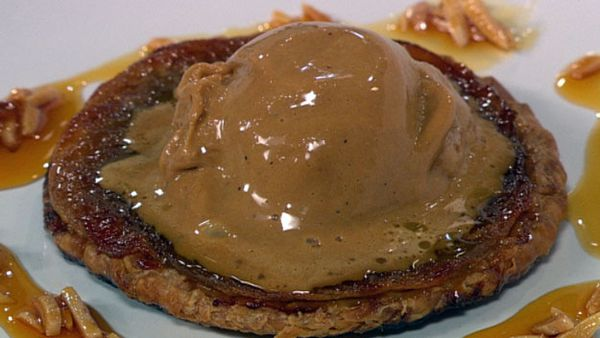 Apple tart with caramel ice-cream