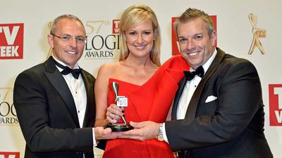 "Members of Channel 7 News with their Silver Logie for Most Outstanding News Coverage for ""Lindt Cafe Siege"". (AAP)"