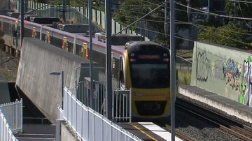 Queensland Rail apologises after lengthy delays for passengers