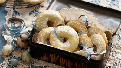 "Recipe: <a href=""http://kitchen.nine.com.au/2016/05/05/16/19/lebanese-semolina-cookies"" target=""_top"">Lebanese semolina cookies</a>"