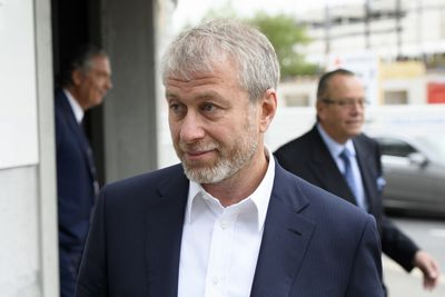 Roman Abramovich and the world's biggest yacht