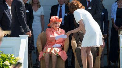 Queen Elizabeth meets Susan Sarandon at the Royal Windsor Cup, June 2018