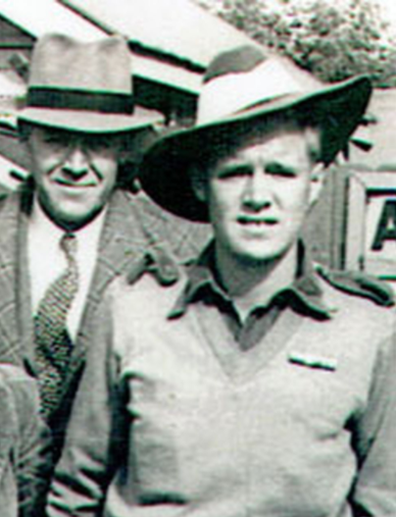 Ron (right) joined the Australian army in 1944 during World War II.