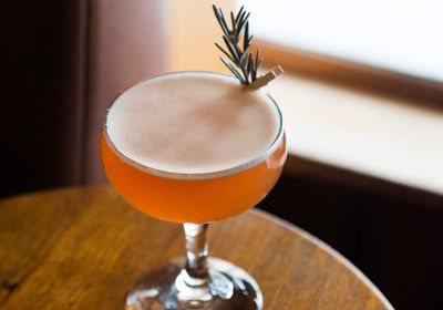 """<a href=""""http://kitchen.nine.com.au/2017/05/19/15/37/artists-special-whisky-cocktail"""" target=""""_top"""">Artist's special cranberry whisky cocktail</a>"""