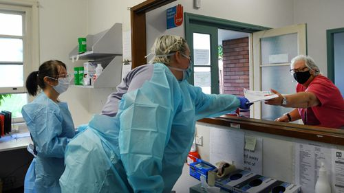 , Overseas medics to reinforce Australia's pandemic frontline, The World Live Breaking News Coverage & Updates IN ENGLISH