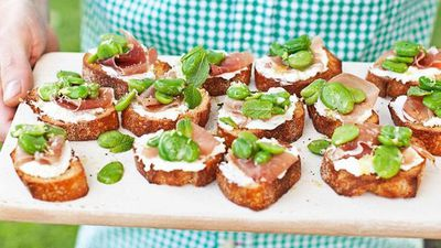 "<a href=""http://kitchen.nine.com.au/2016/05/13/12/36/broadbean-prosciutto-and-ricotta-crostini"" target=""_top"">Broadbean, prosciutto and ricotta crostini</a>"