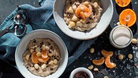 Mixed grain and mandarin porridge