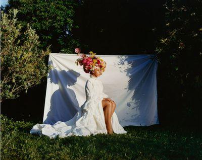 Beyonc&eacute; wears a Gucci dress, Lynn Ban headpiece and floral headdress by Rebel Rebel&nbsp;<em>US Vogue</em>&nbsp;September 2018<br /> <br />