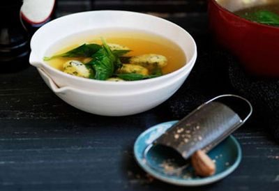 Spinach and ricotta dumplings in chicken broth