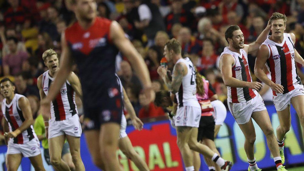 Riewoldt stars in Saints' AFL win