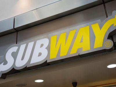 20. Subway Salads (166 serving size / 1106 kJs)