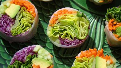 Step by step rice paper rolls