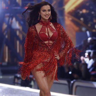 Irina Shayk, pregnant, runway, Victoria's Secret Fashion Show
