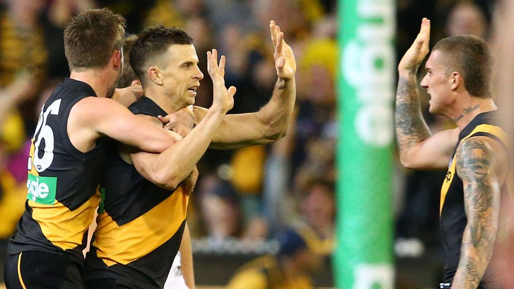 Tigers must stick together: Deledio