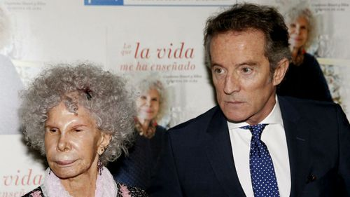 The Duchess of Alba with her third husband Alfonso Diez, who was 25 years her junior. (AAP)