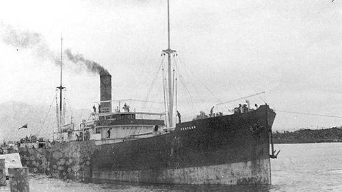 SS Ventnor passenger ship leaving Westport 1902.