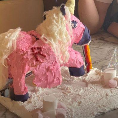 Hamish Blake cake