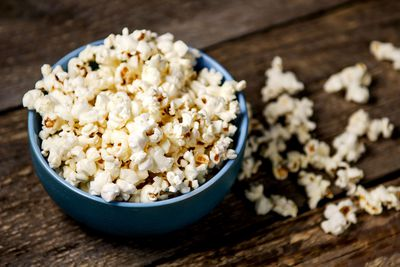 Air-popped popcorn: 4g fibre