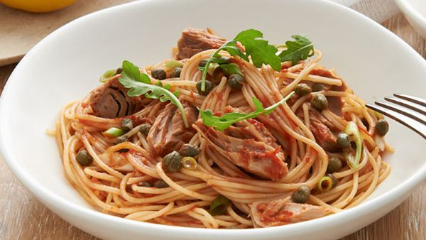 Spaghetti with tuna, lemon and capers