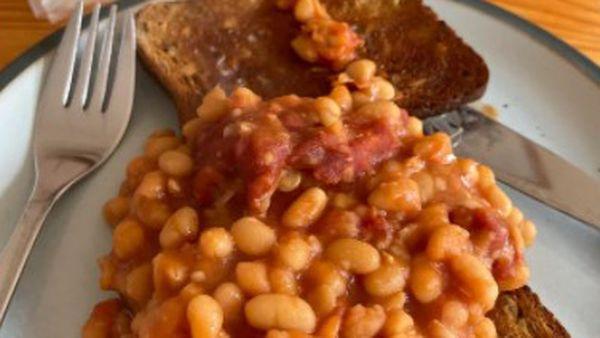 Man's breakfast sparks passionate debate