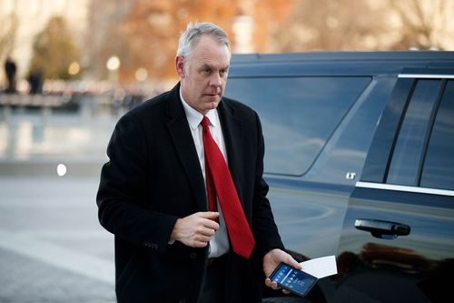 Mr Zinke is leaving weeks before Democrats take control of the House, a shift in power that promises to sharpen the probes into his conduct.