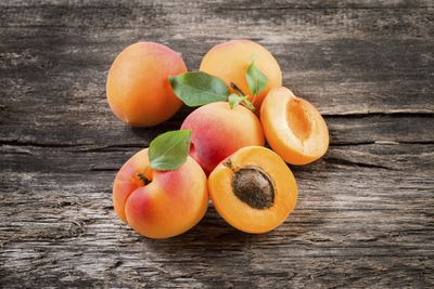 <strong>14. Apricots</strong>