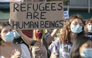Controversial asylum seeker protest in Brisbane postponed due to 'police threats'