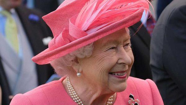 Queen Elizabeth dressed in pink