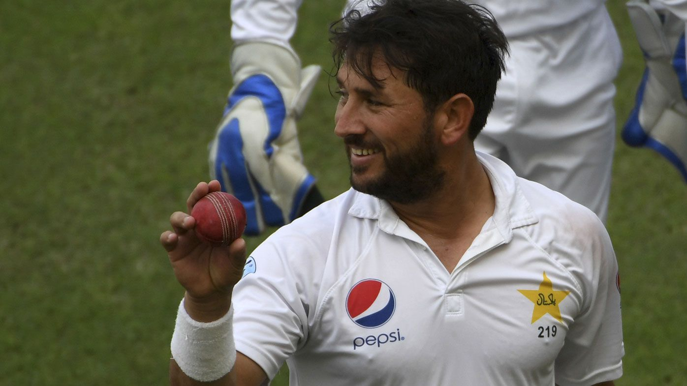 New Zealand suffers incredible 9-29 Test batting collapse against Pakistan