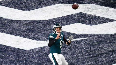 Philadelphia Eagles quarterback Nick Foles catches a touchdown