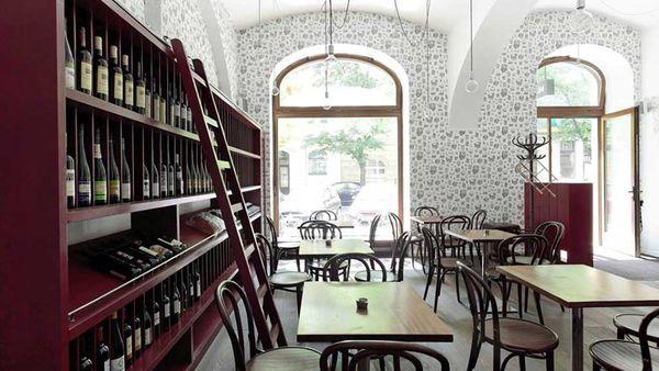 Veltlin, wine bar in Karlin